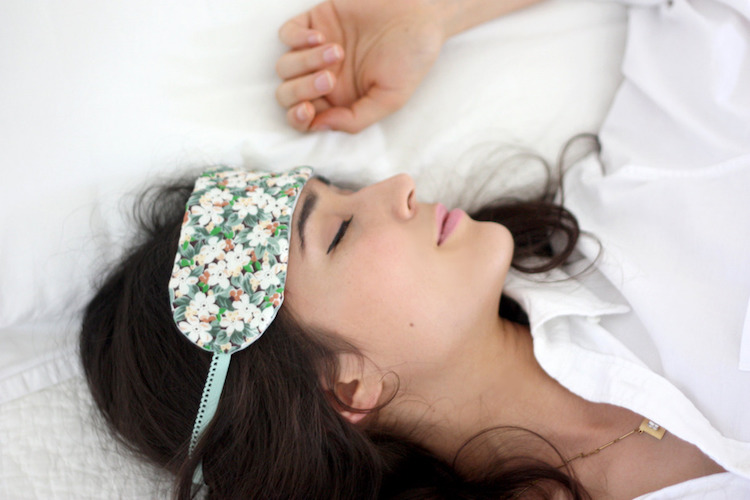 Best Sleep Masks 2019 Top 10 Best Sleep Masks Reviewed in 2019   Happy Body Formula