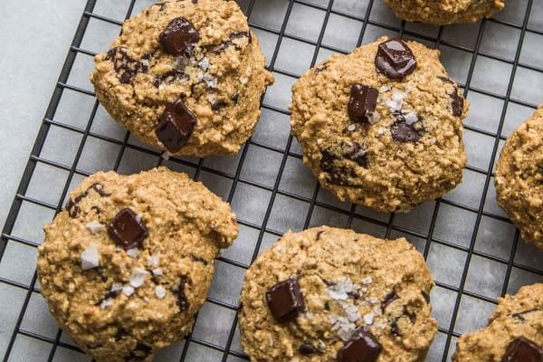 Quinoa dark chocolate breakfast cookies