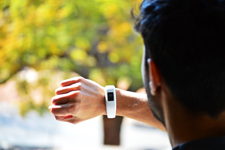 Best Activity Tracker 2020.Top 10 Best Activity Trackers Reviewed In 2020 Happy Body