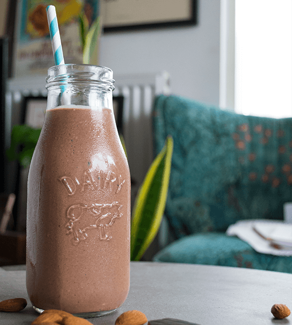 CHOCOLATE ALMOND KETO BREAKFAST SHAKE