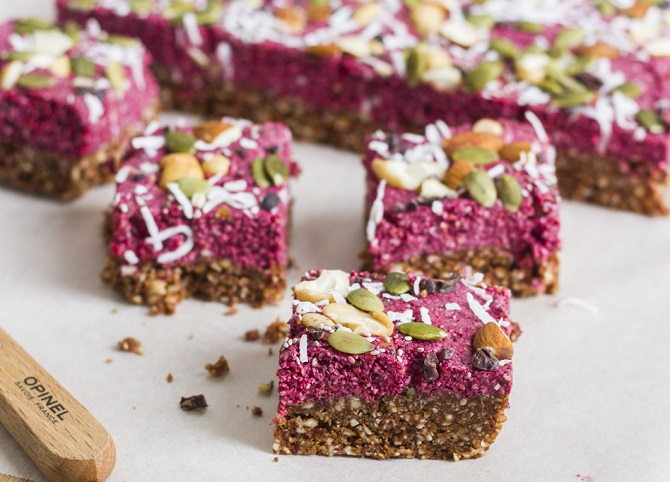 CHOCOLATE BERRY SUPERFOOD BARS
