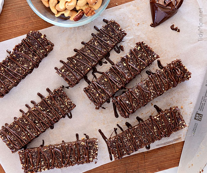 HAZELNUT ENERGY BARS