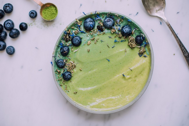SWEET PEA MANGO SMOOTHIE BOWL