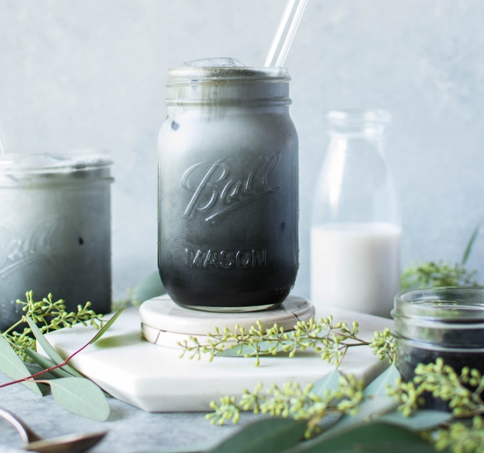 ICED ACTIVATED CHARCOAL LATTE