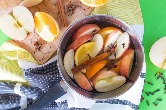 APPLE CINNAMON SIMMER POT