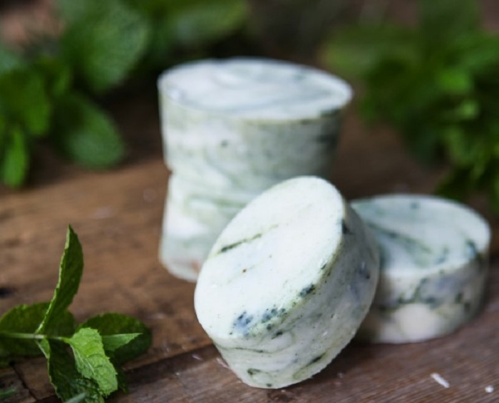 ROSEMARY AND PEPPERMINT ENERGIZING SHOWER SOAP