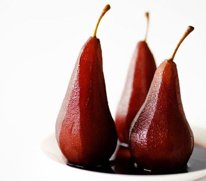 DUTCH POACHED PEARS
