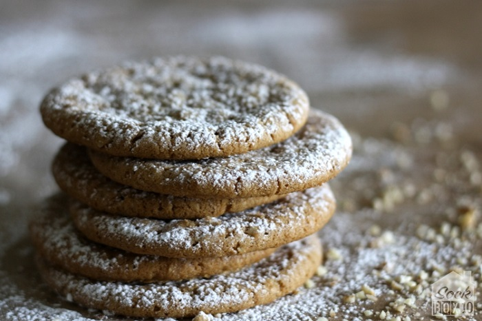 SPICE COOKIES WITH CLOVES