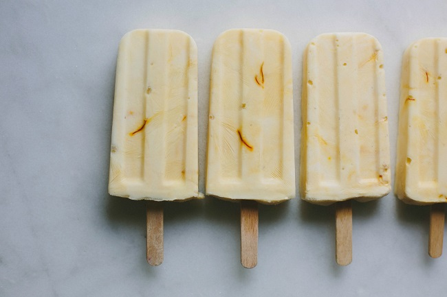 MANUKA HONEY AND SAFFRON YOGHURT POPS