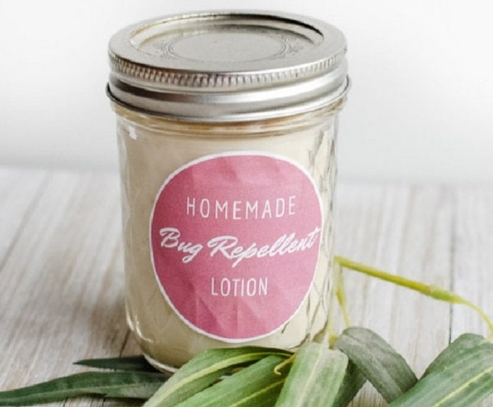 HOMEMADE BUG REPELLENT LOTION